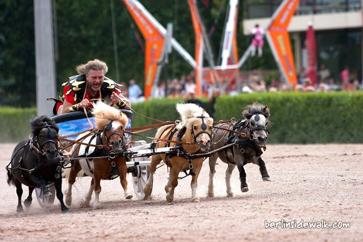 Mini chariot race
